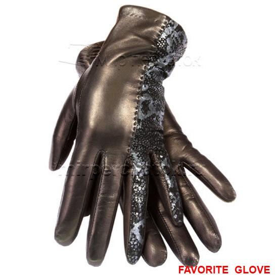Женские коричневые перчатки с ажурной вставкой